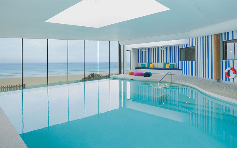 Infinity pool at Watergate Bay